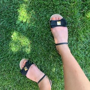 KATE SPADE bow and stud sandals